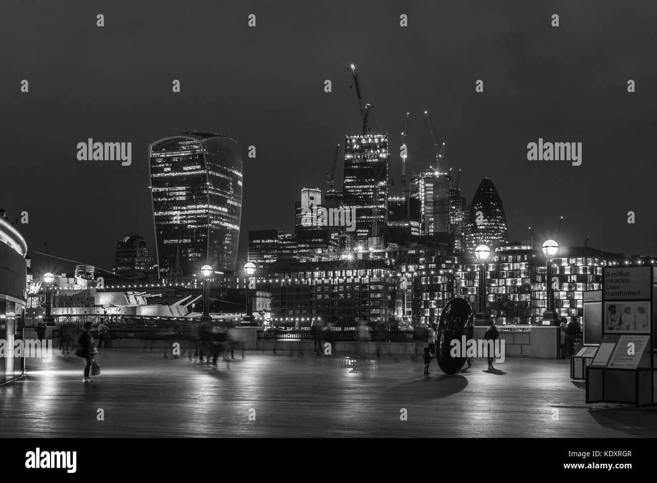Black And White Of The Financial District Skyline At Night 2017 City London