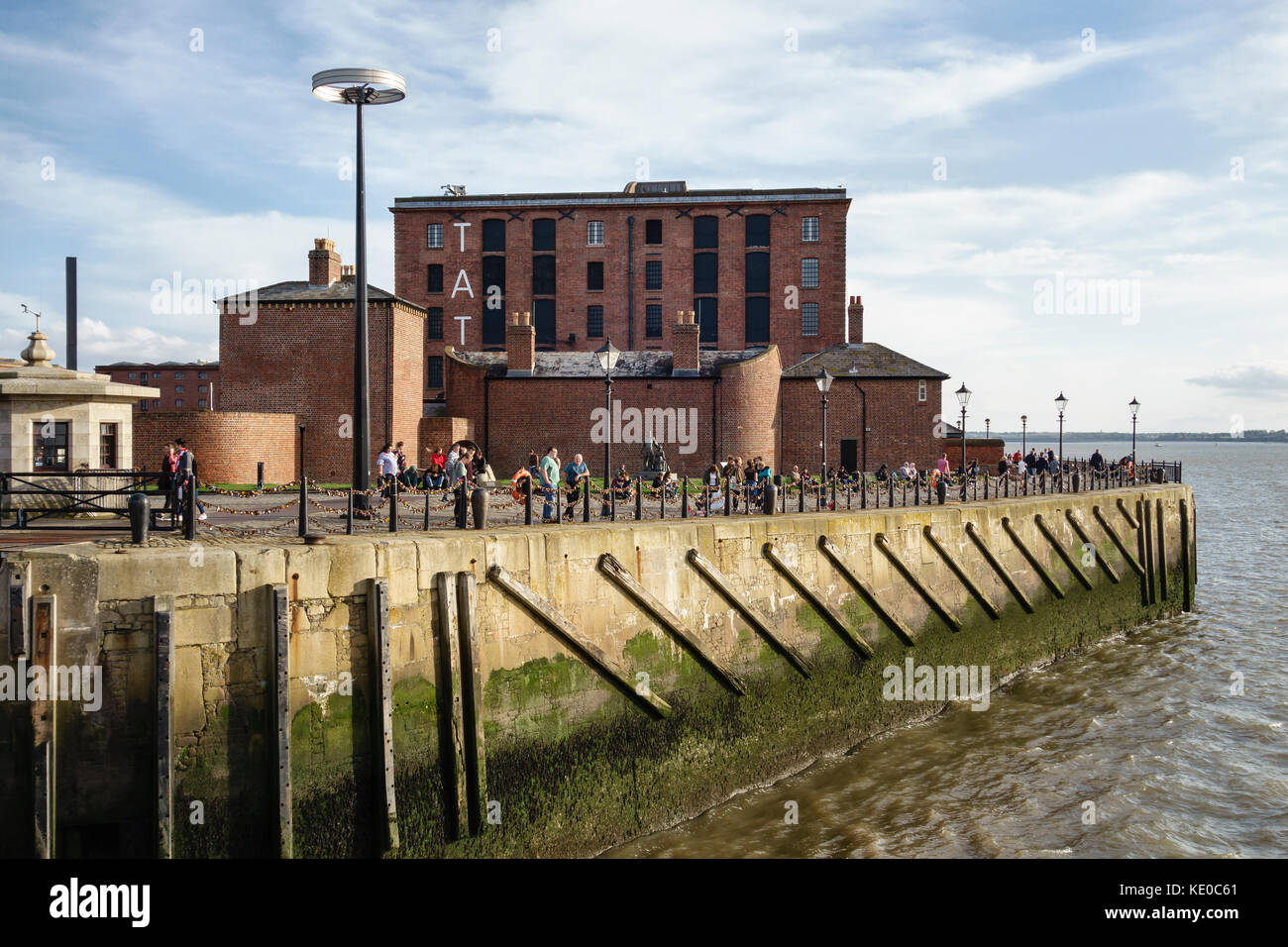 Pier Head, Liverpool, UK. The Tate Liverpool gallery stands on the restored River Mersey waterfront - Stock Image