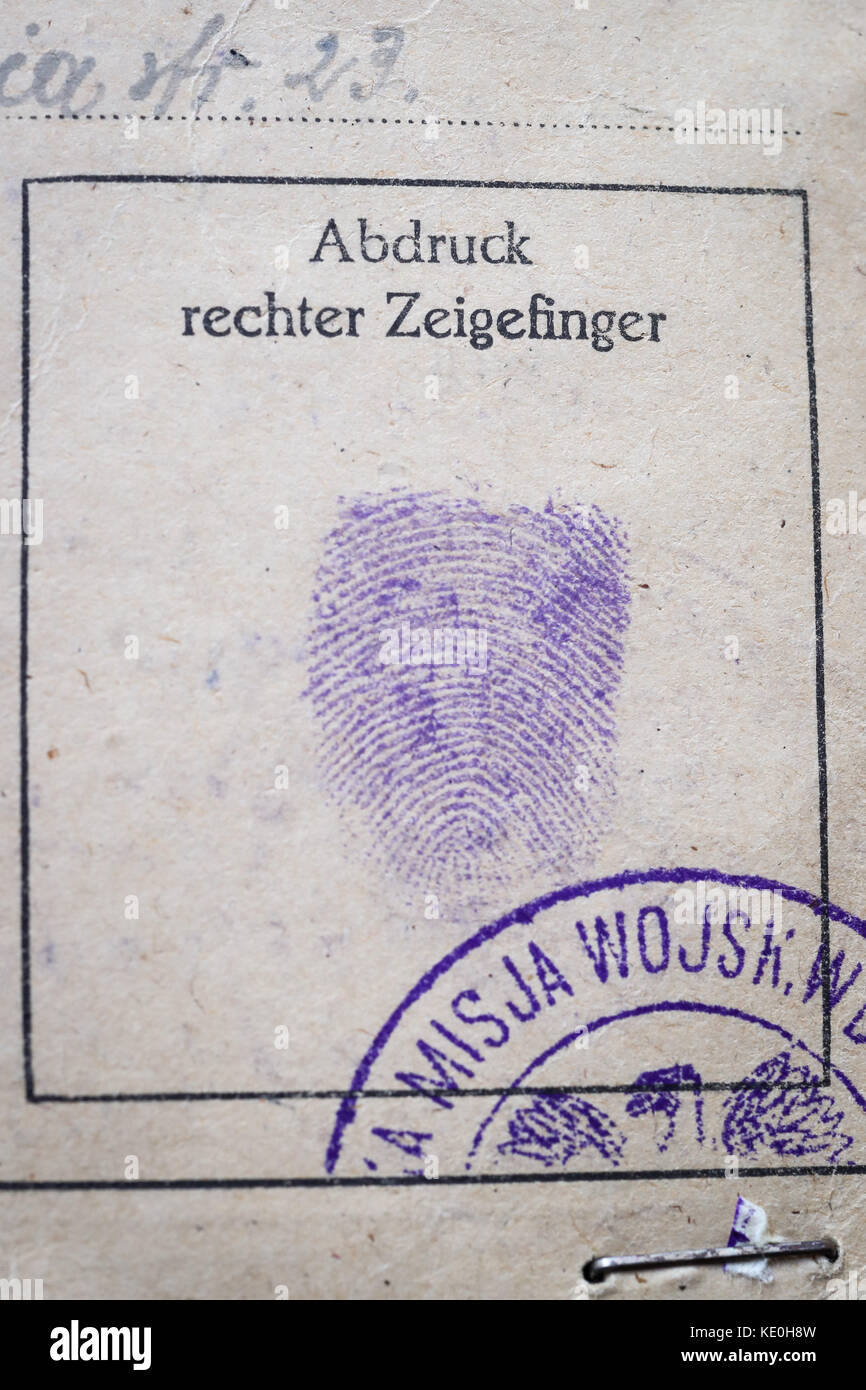 Hamburg, Germany. 13th Oct, 2017. An indetity card with a finger print of the GDR politician Walter Ulbrich, photographed - Stock Image