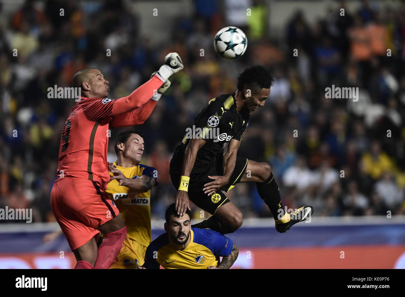 Nicosia, Cyprus. 17th Oct, 2017. Nicosia's goalkeeper Boy Waterman punches the ball clear during the Champions League Stock Photo