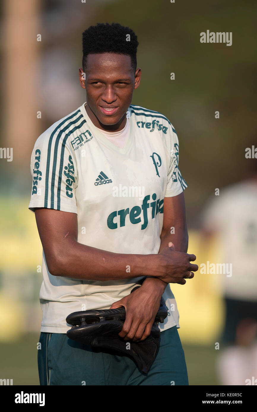 Sao Paulo, Brazil. 17th Oct, 2017. Colombian soccer player Yerry Mina, who has a preliminary agreement with FC Barcelona, - Stock Image