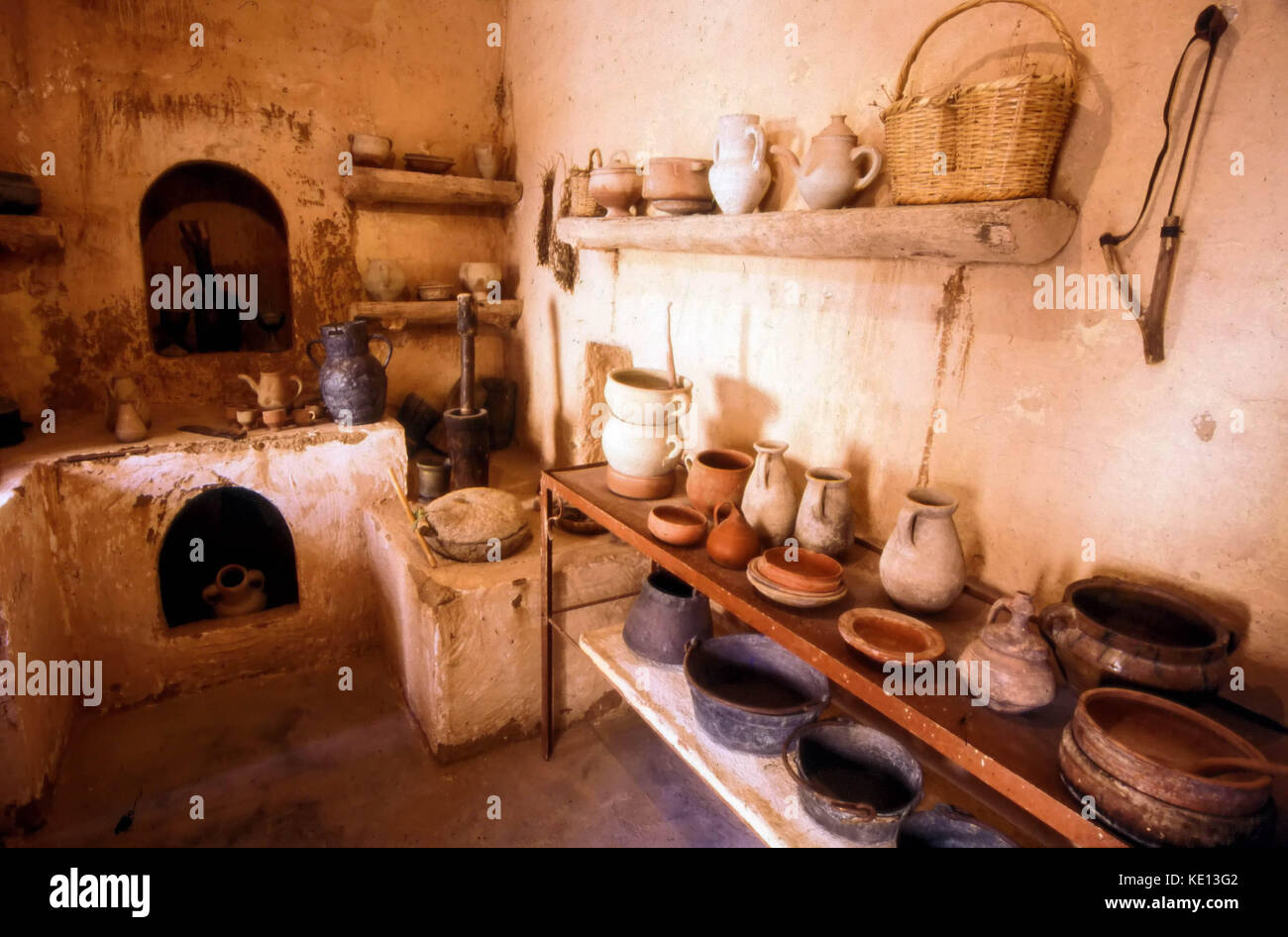 Traditional kitchen in a Museum in the old quarter of Tozeur in Tunisia, North Africa - Stock Image
