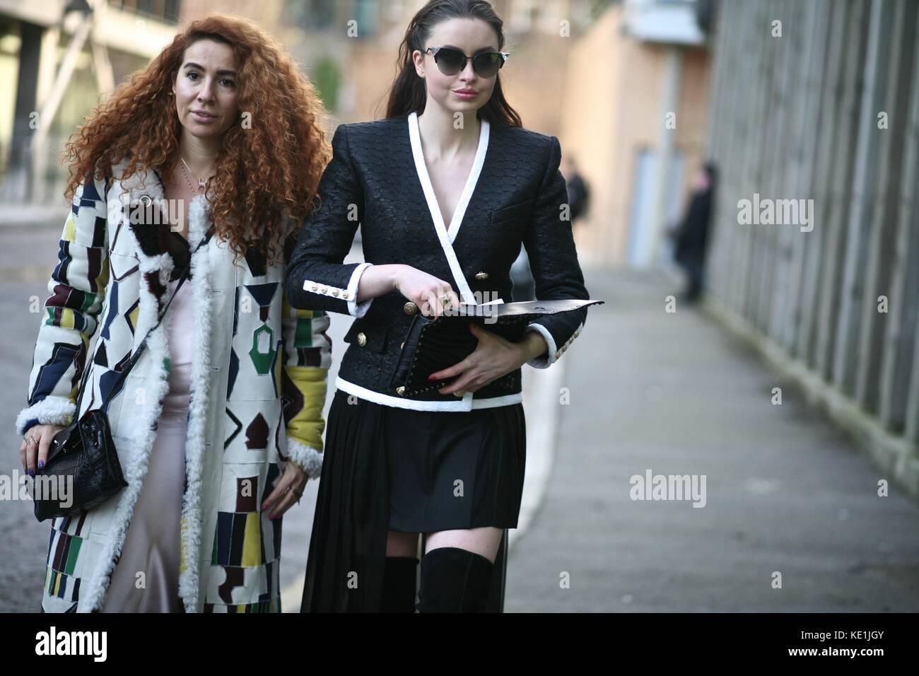 Natasha Zinko and Emma Miller Street Style London Fashion Week  Autumn  Winter 2016 : 22nd Feb  2016 London Uk - Stock Image