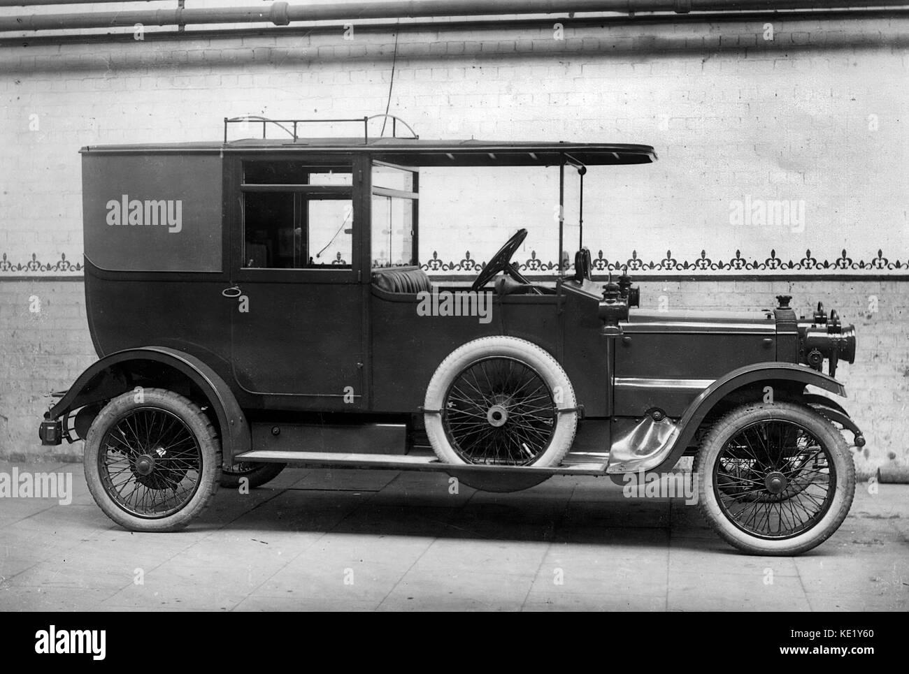 1915 Daimler 20hp WD staff limousine - Stock Image