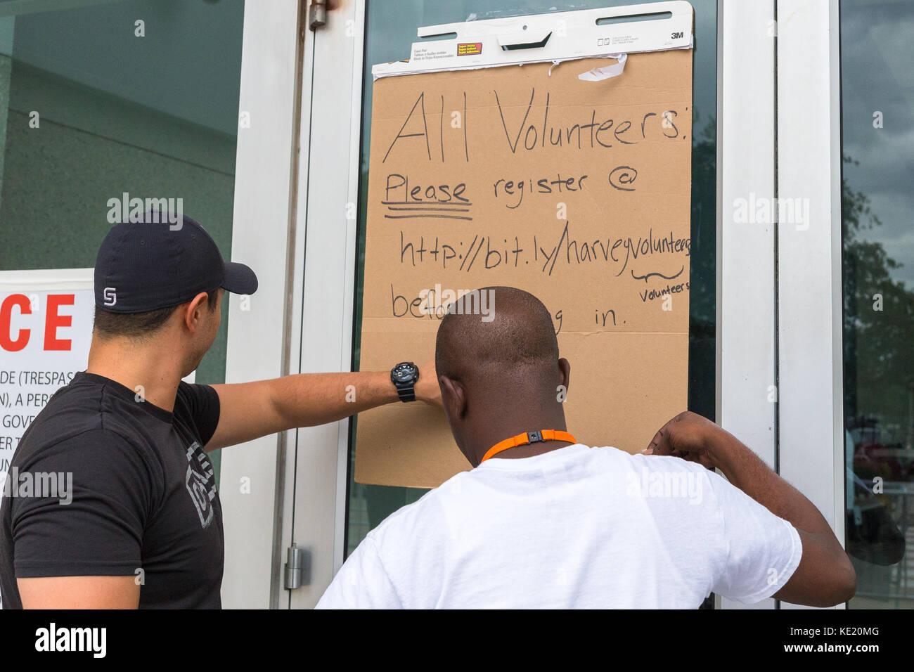 Emergency shelter is seeking volunteers to help with relief efforts - Stock Image