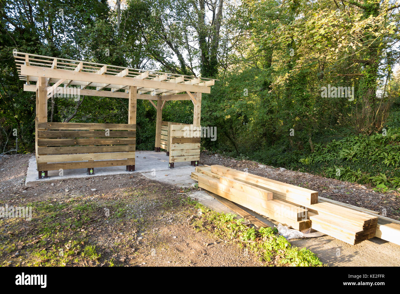 timber frame building detail of construction Stock Photo: 163554603