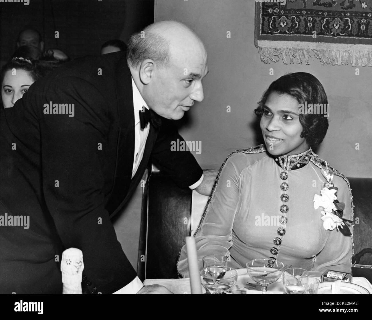 Marian Anderson - portrait of the American contralto with her manager Sol Hurok, 17 April 1939. MA: 17 February Stock Photo