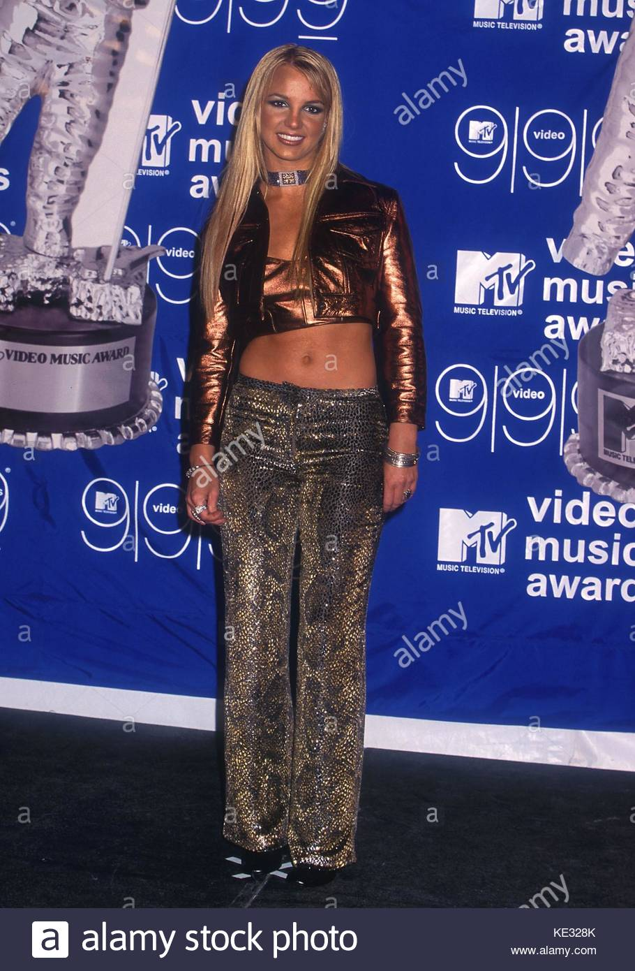 Britney Spears At The 1999 MTV Video Music Awards Metropolitan Opera House In New