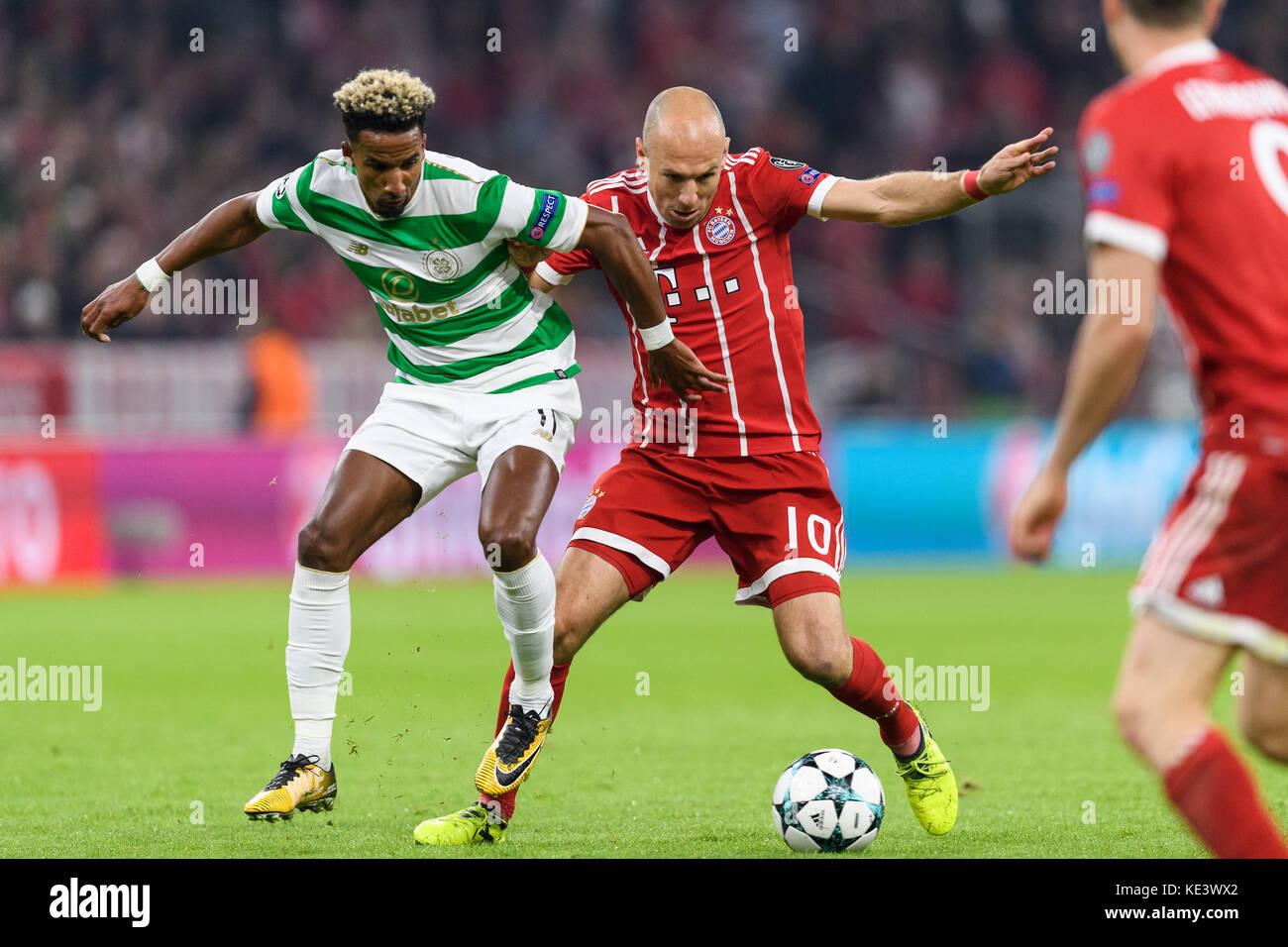 Muenchen, Deutschland. 18th Oct, 2017. Arjen Robben (FCB) im duels with Scott Sinclair (Glasgow). GES/ Fussball/ - Stock Image