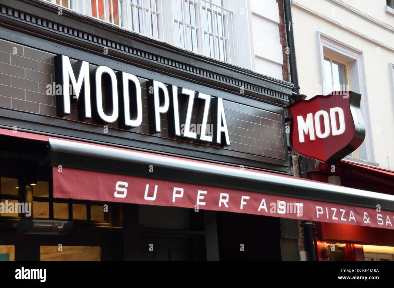 Mod Pizza Takeaway London Uk Stock Photo 163602218 Alamy