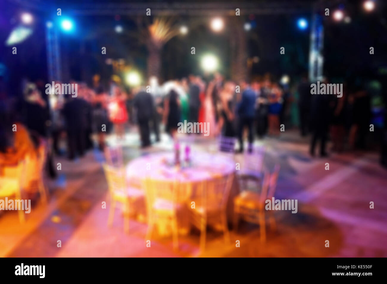 Blurred background of night dancing party  in a restaurant outdoor - Stock Image