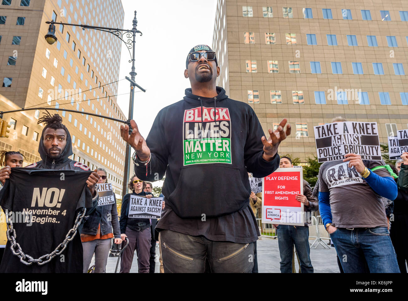 New York, United States. 17th Oct, 2017. Ahead of the NFL Fall League meeting in New York on October 17; 2017; advocacy - Stock Image
