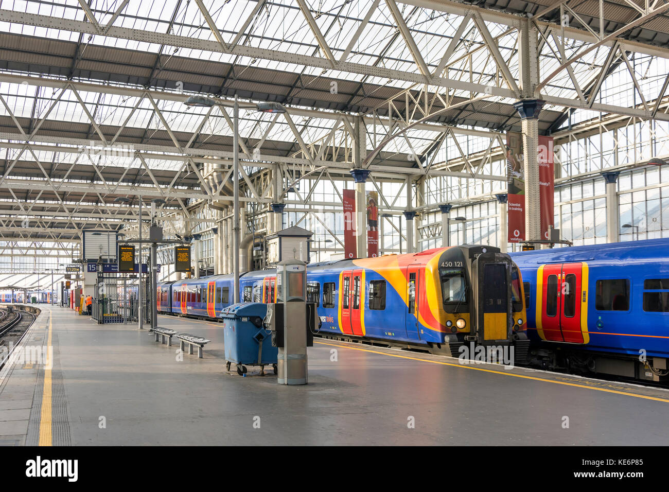 Train platforms in London Waterloo Station, Waterloo, London Borough of Lambeth, Greater London, England, United - Stock Image
