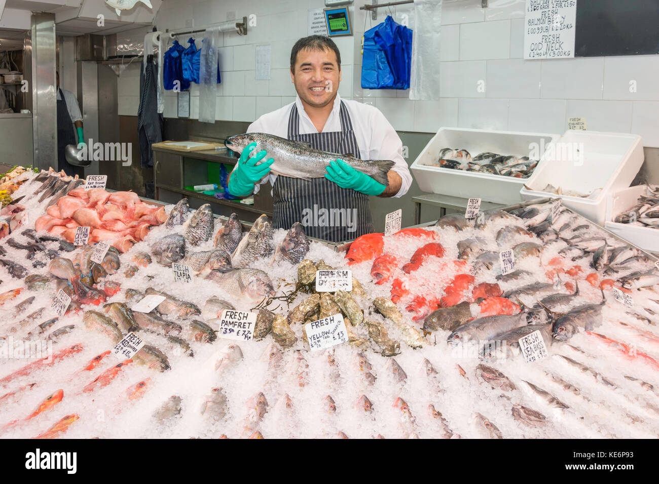 Fishmonger with fresh fish display, Walthamstow High Street, Walthamstow, London Borough of Waltham Forest, Greater - Stock Image