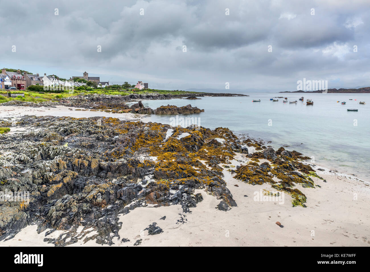 Beach on the east coast of the Isle of Iona, near to the Ferry to Mull, Argyll and Bute, Scotland, UK - Stock Image