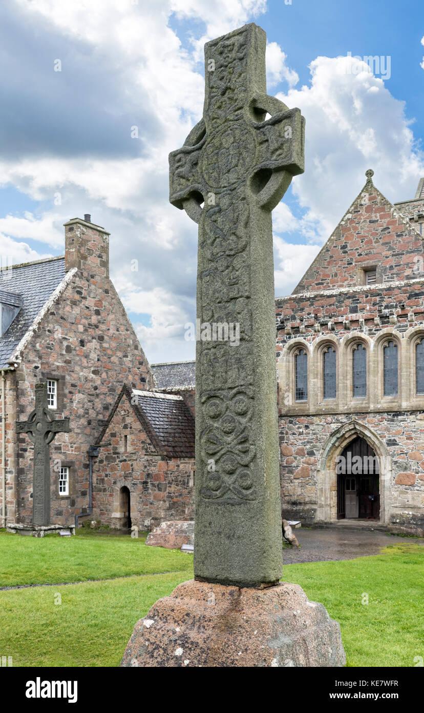 Celtic cross. St Martin's Cross outside Iona Abbey, Isle of Iona, Argyll and Bute, Scotland, UK. - Stock Image