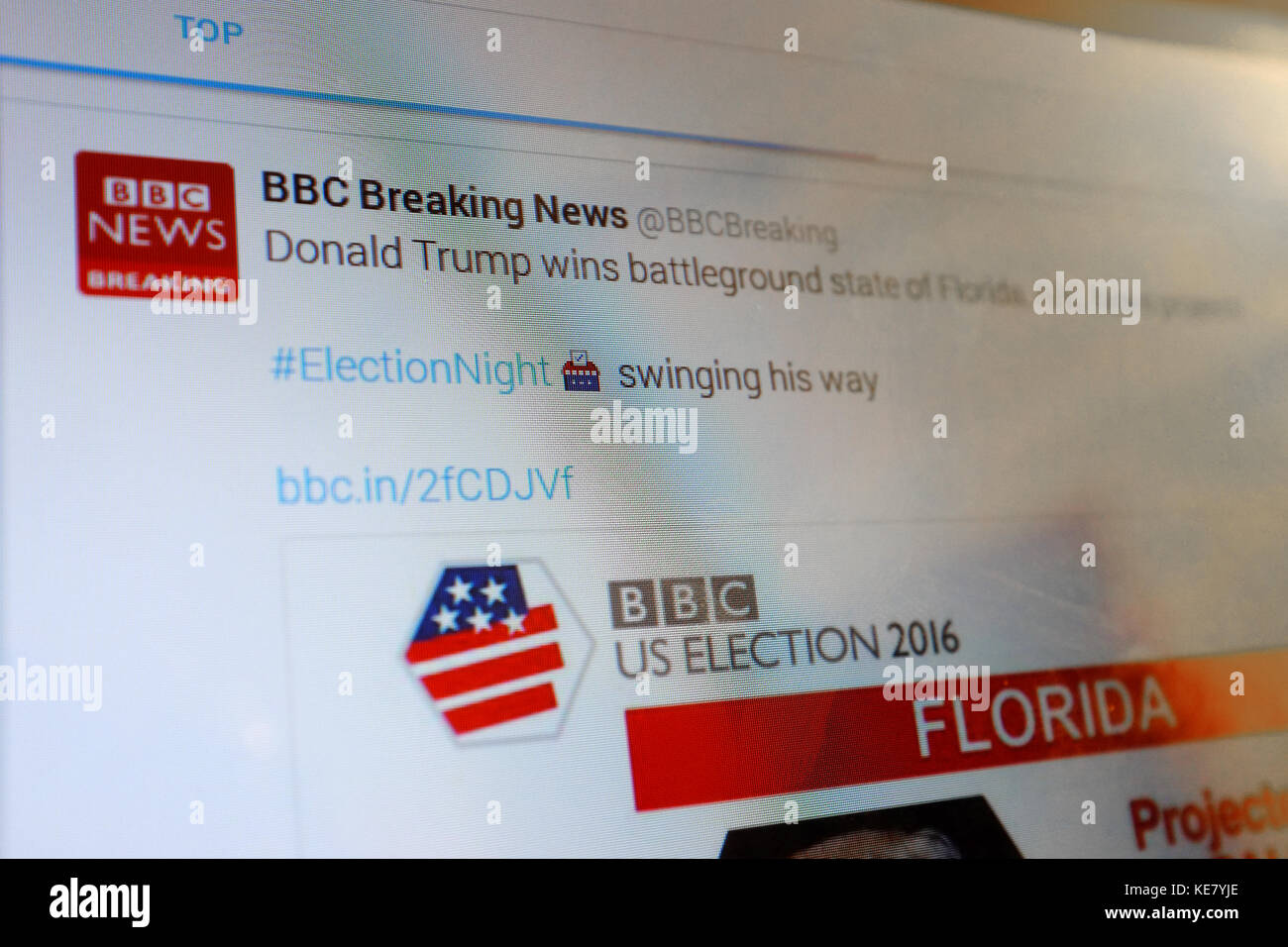 A BBC News Twitter page viewed on a tablet - Stock Image
