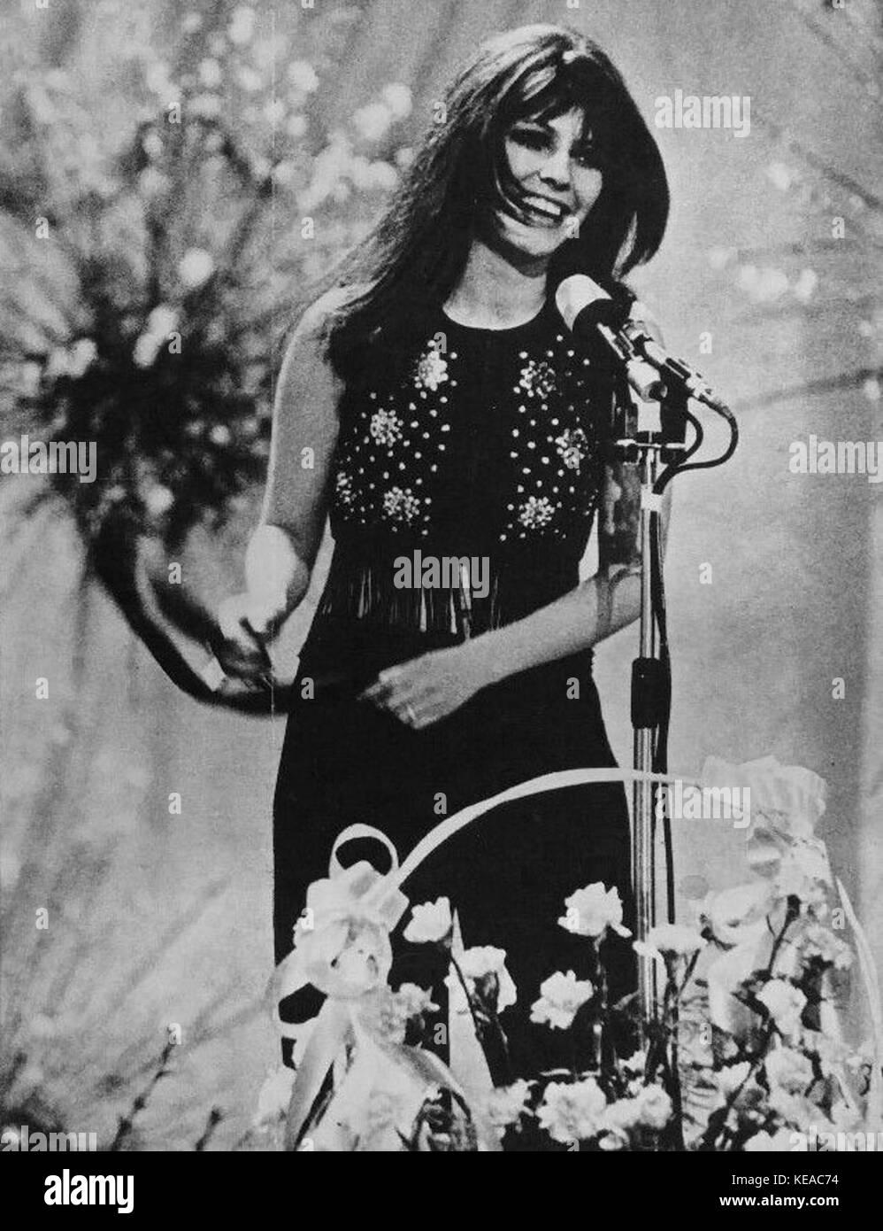 Claudia Mori   Chi non lavora non fa l'amore (Festival di Sanremo 1970) - Stock Image