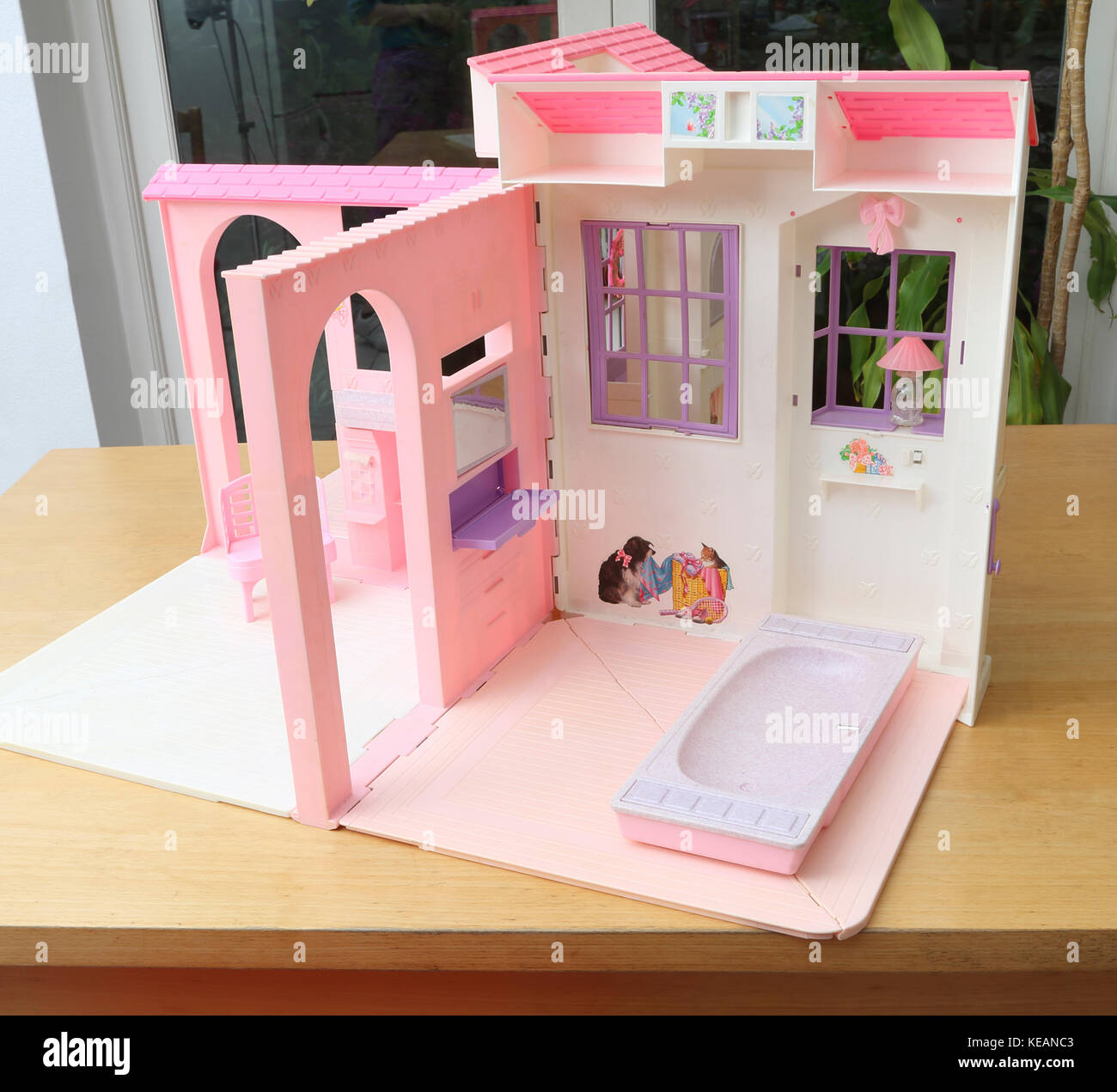 vintage 1996 barbie folding pretty house showing bathroom and living rh alamy com