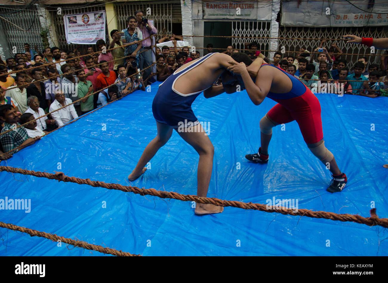 indian-style-sitting-amature-naked-women