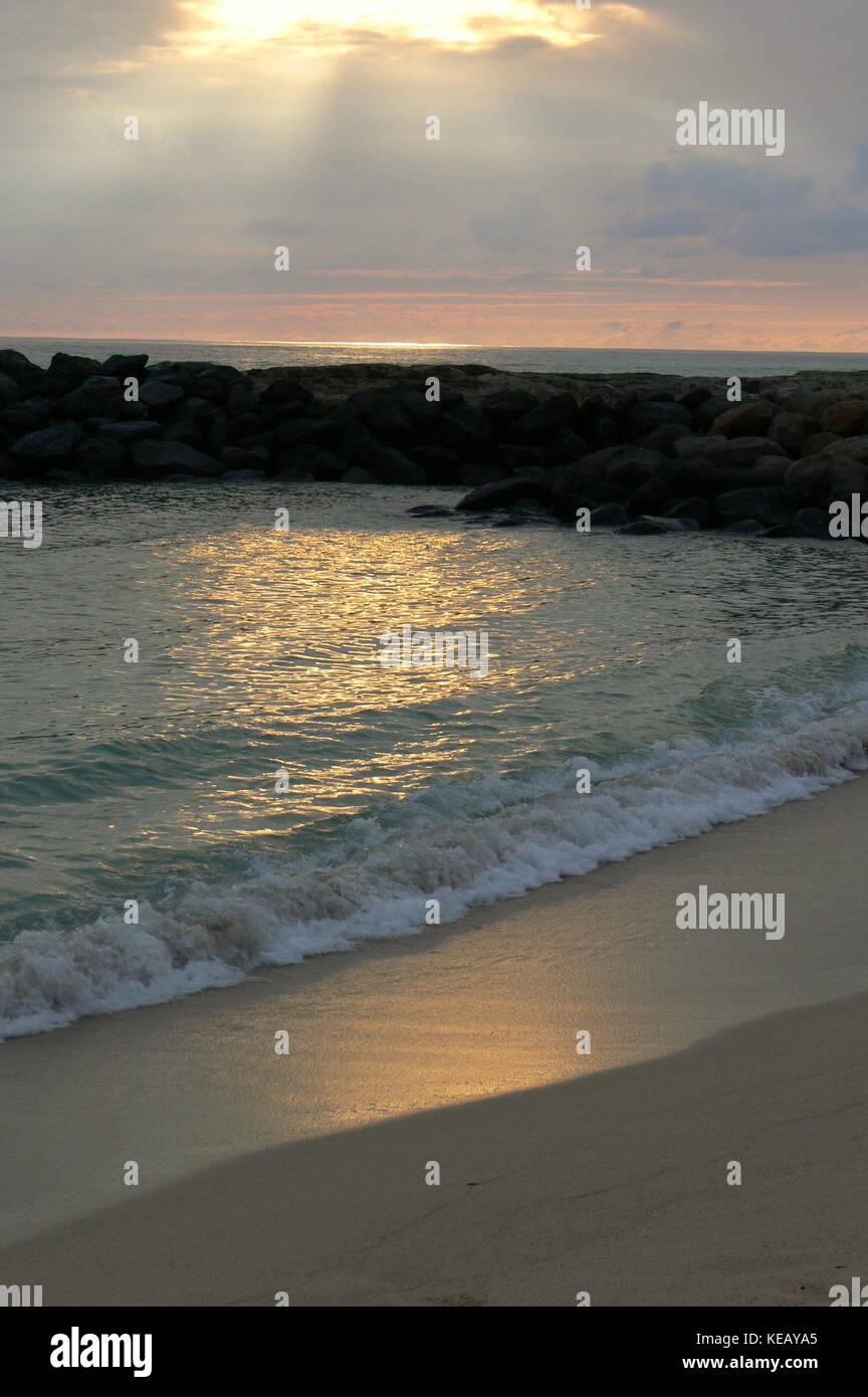 Beach sunset - Oahu, Hawaii - Stock Image