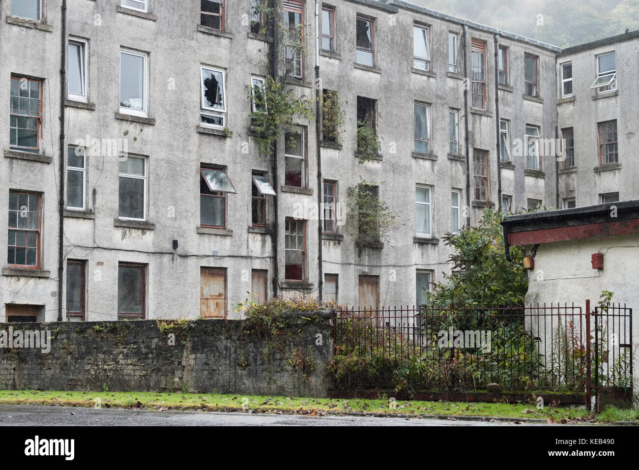 Council Housing Derelict For Rent and Sale UK Port Glasgow Stock Photo
