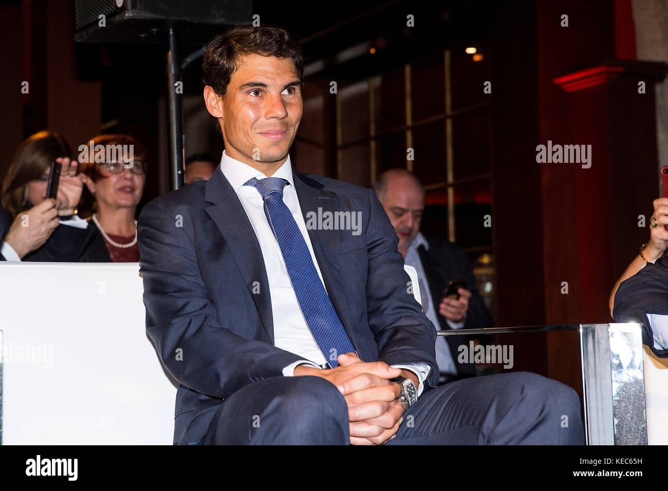 Madrid, Spain. 20th Oct, 2017. Spanish tennis player Rafael Nadal receives one of the awards of El Espanol newspaper - Stock Image