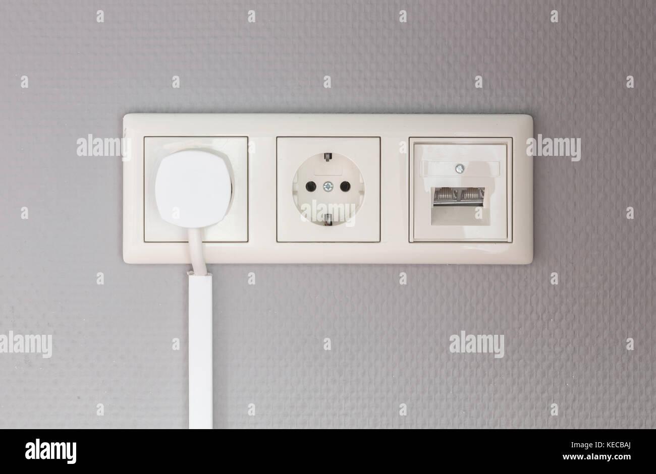 Ausgezeichnet Electricity Supply To House Ideen - Schaltplan Serie ...