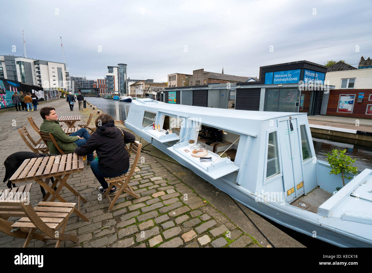 Small cafe inside narrowboat on Union Canal at Fountainbridge in Edinburgh , Scotland, United Kingdom. - Stock Image