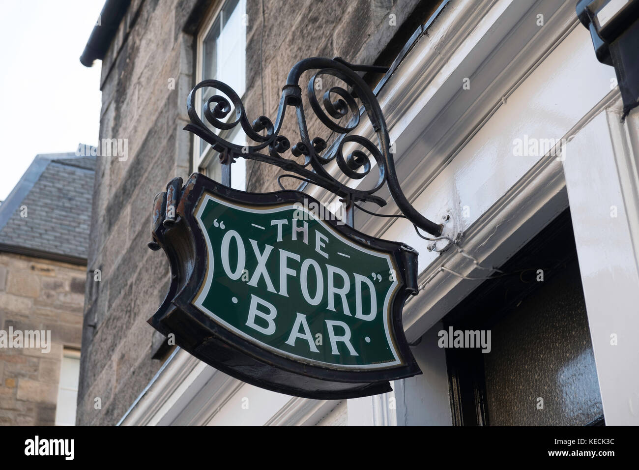 Oxford Bar in Edinburgh featured in Ian Rankin's crime novels about Inspector Rebus - Stock Image