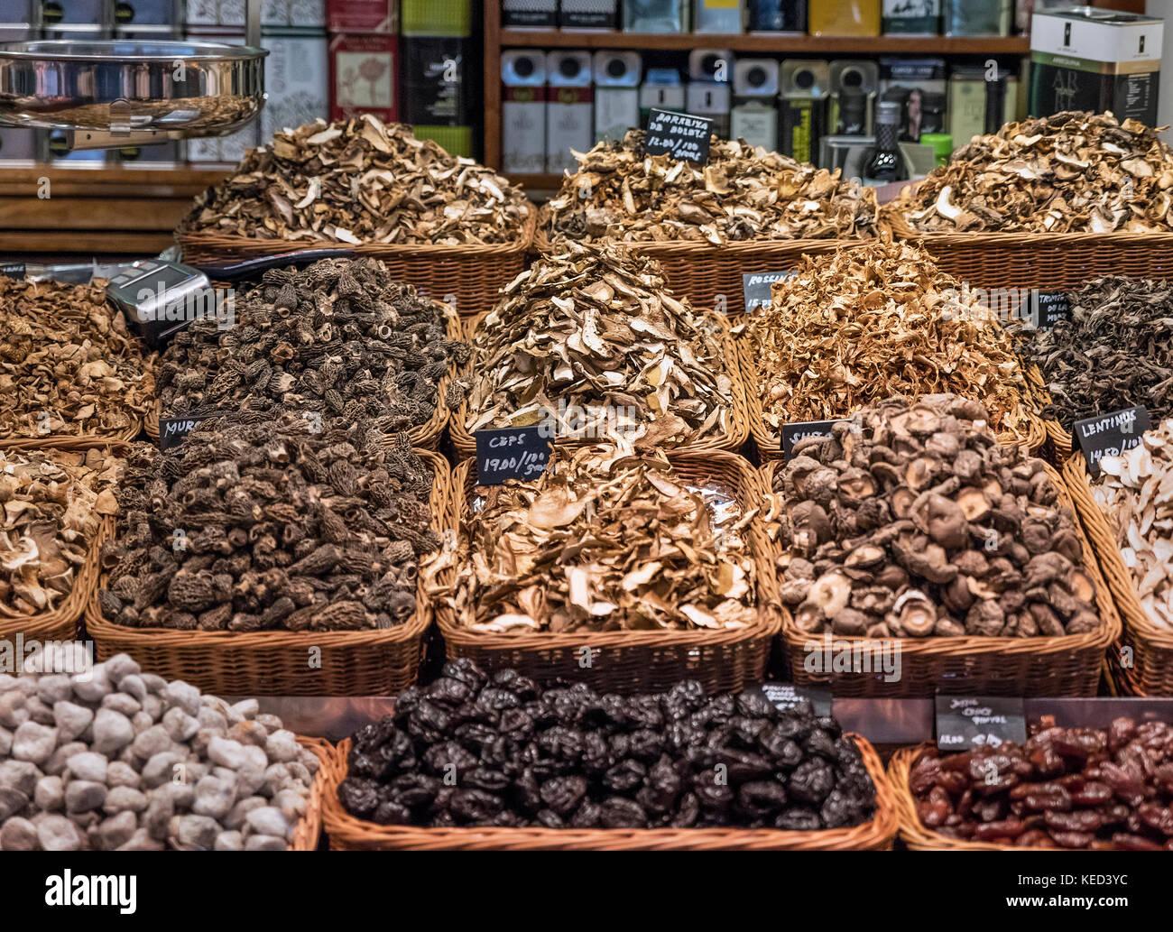 Mushroom vendor at the Mercat de Sant Josep de la Boqueria, Barcelona, Spain. - Stock Image