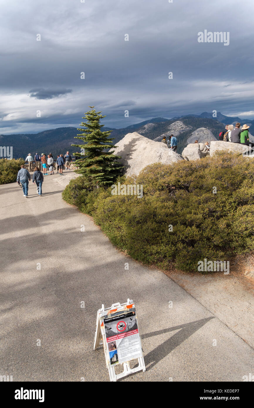 Sign board banning drone photography in Yosemite. - Stock Image