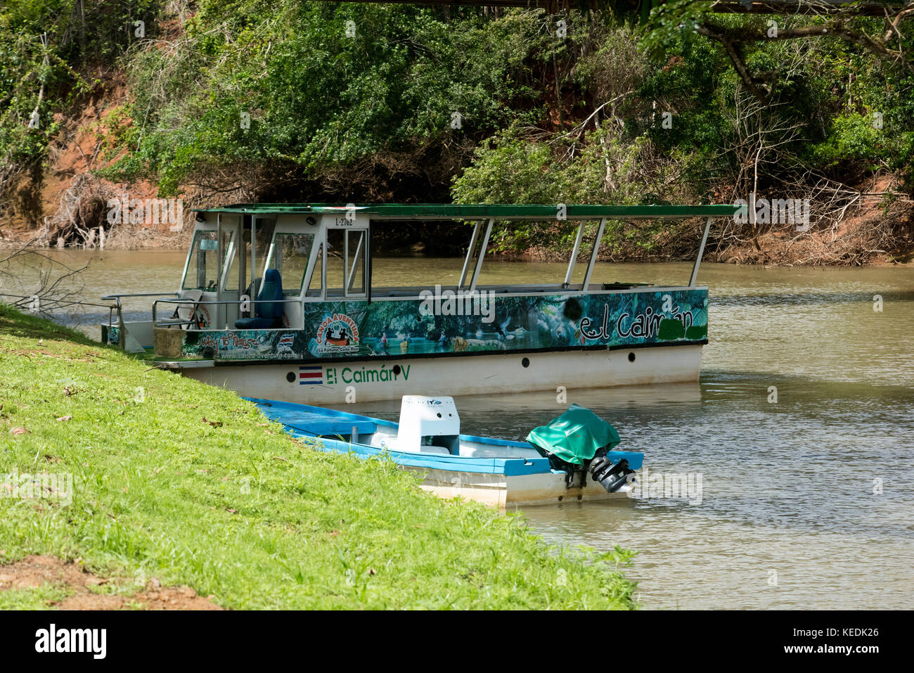 Tour boats on the Sarapiqui River, Costa Rica - Stock Image