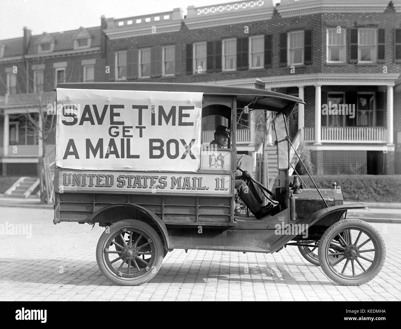 Post Office Mail Wagons 'Save Time Get a Mail Box', Washington DC, USA, Harris & Ewing, 1916 - Stock Image