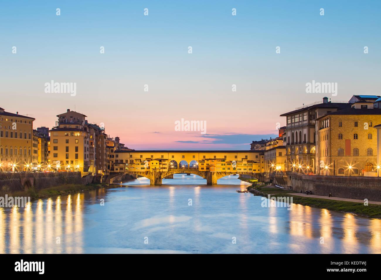 Ponte Vecchio bridge at night in Florence, Tuscany, Italy. - Stock Image