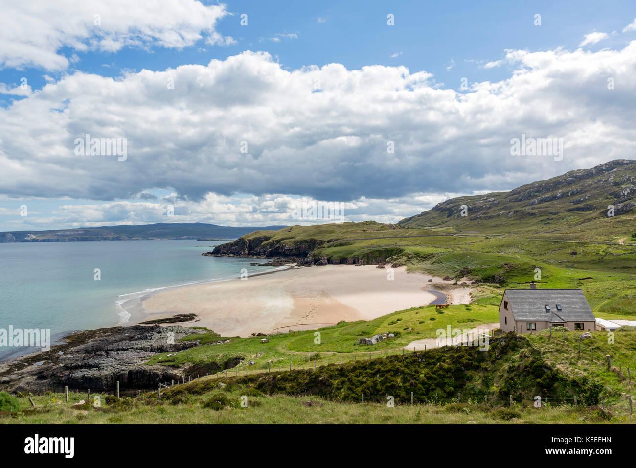 House on the beach at Sangobeg, near Durness, Sutherland, Scottish Highlands, Scotland, UK - Stock Image