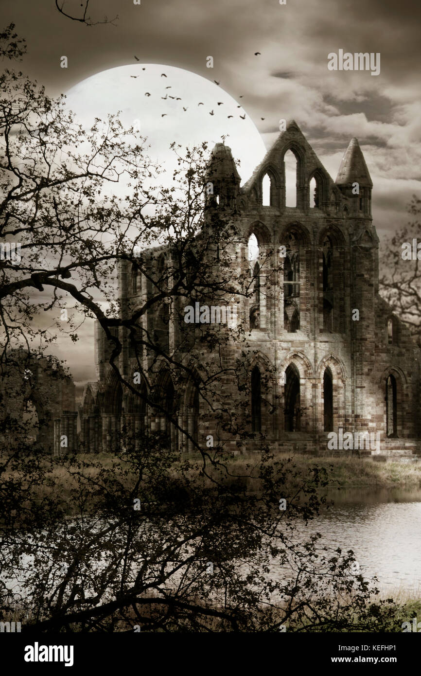 Old creepy abby by moonlight - Stock Image