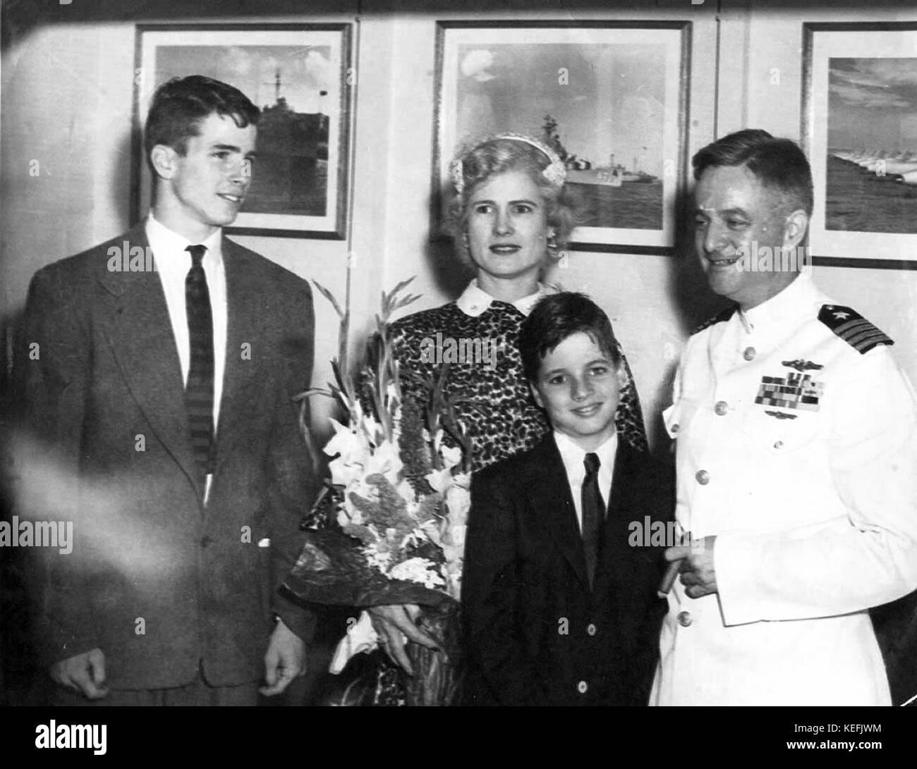 John Sidney Mccain Iv: Roberta Black And White Stock Photos & Images
