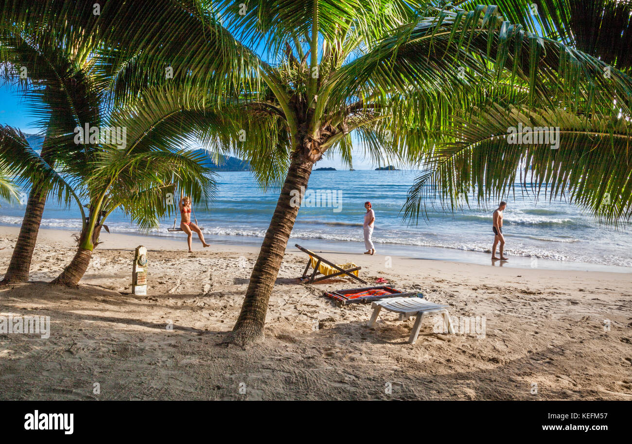 Thailand, Trat Province, Koh Chang Island in the Gulf of Thailand, West Coast, holidaymakers at Ao Klong Phrao Beach Stock Photo