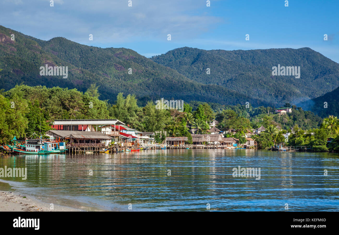 Thailand, Trat Province, Koh Chang Island in the Gulf of Thailand, West Coast, fishing community at Klong Prao lagoon - Stock Image