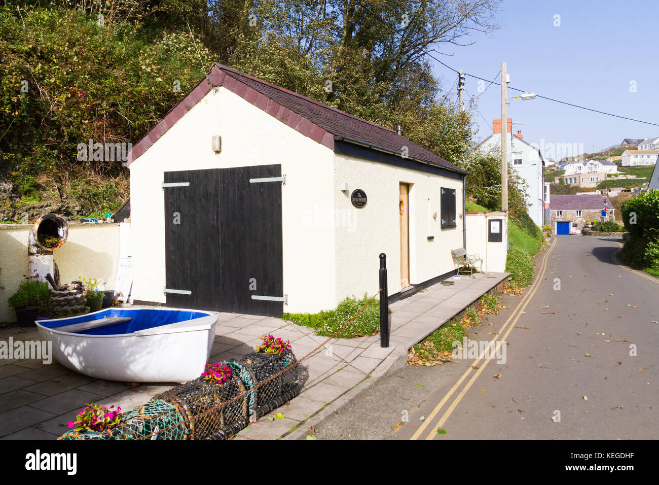 The Boat House Gallery in Little Haven, Pembroke Wales - Stock Image
