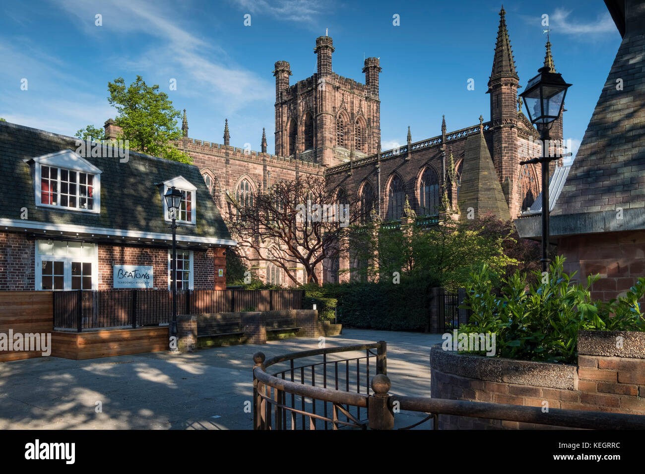 Chester Cathedral and Beatons Tearoom, Chester, Cheshire, England, UK - Stock Image