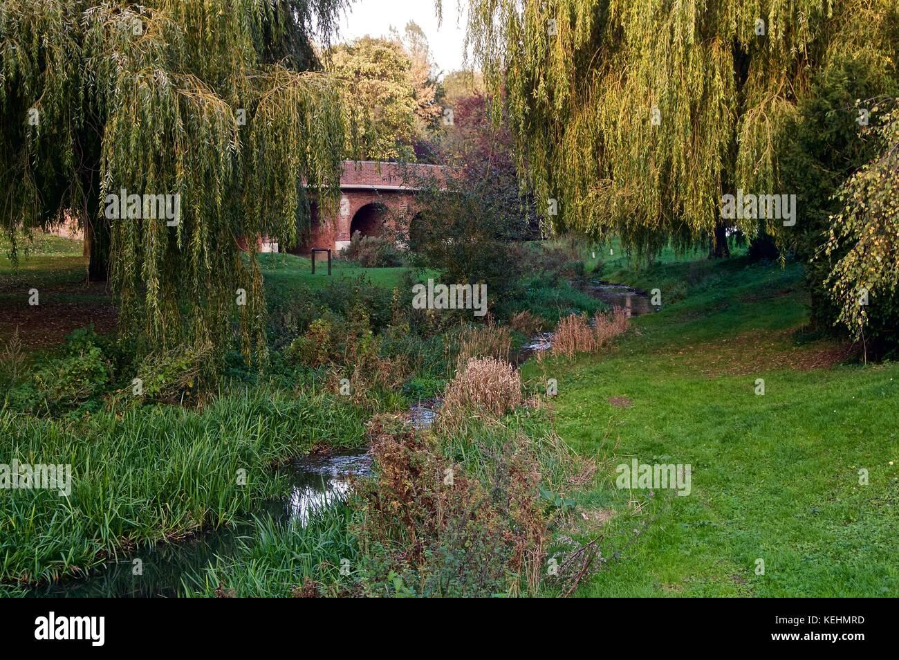 Barnet Road Bridge over River Colne near Green Dragon pub - Stock Image