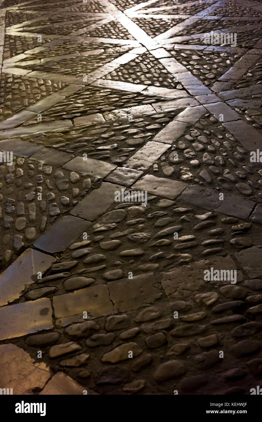 Cobbled path in Leon, Castilla y Leon, Spain - Stock Image