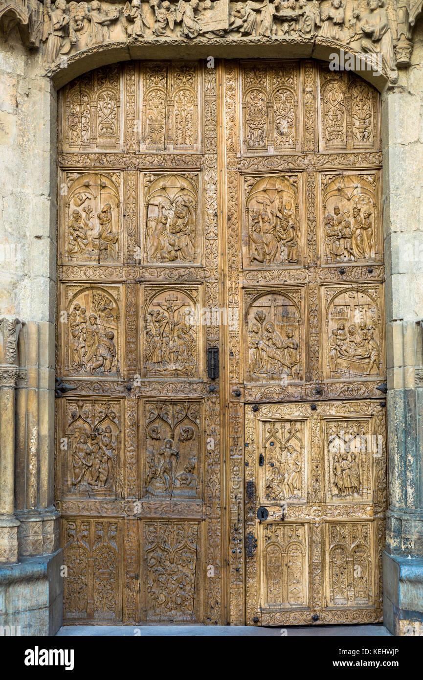 West Door, front, of Santa María de León Cathedral in Leon, Castilla y Leon, Spain - Stock Image