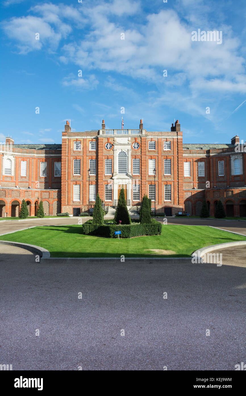 Roehampton House, part of Queen Mary's Place, on Roehampton Lane, Roehampton, London, - Stock Image