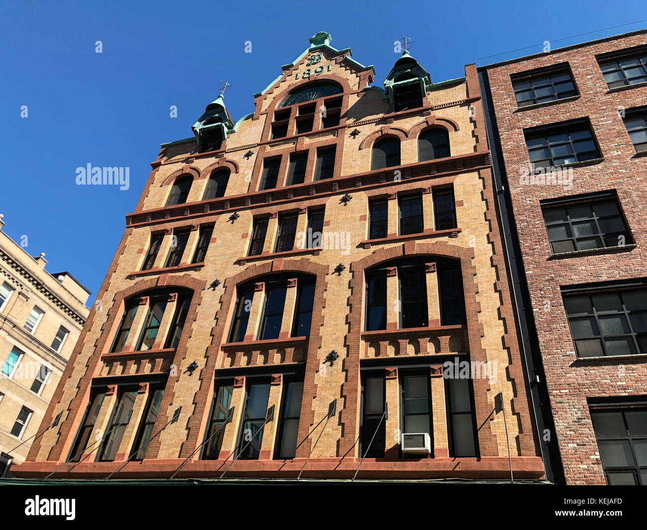 Real-estate developer Fleming Smith built a warehouse in Tribeca in 1891. It was designed by a well-known architect, - Stock Image