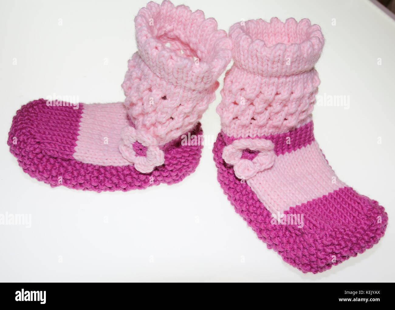 Mädchen Baby Socken, Strümpfe, gestrickt in Pink, Rosa - Stock Image
