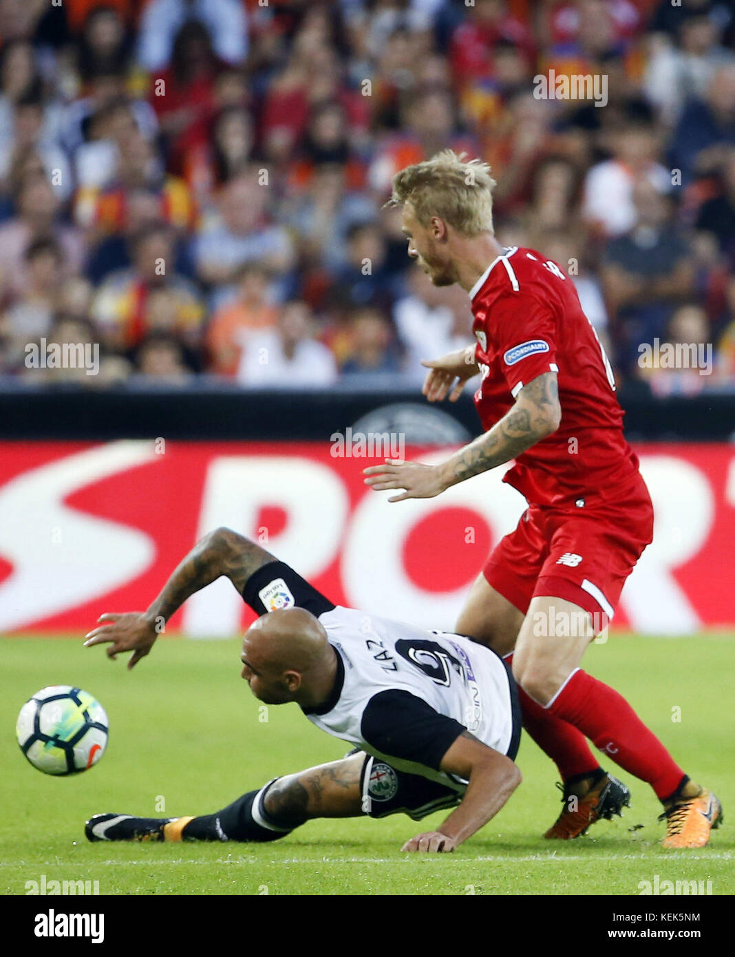 Sevilla CD´s player Simon Kjaer and Valencia´s Simone Zaza the Primera Division LaLiga match at the Mestalla - Stock Image