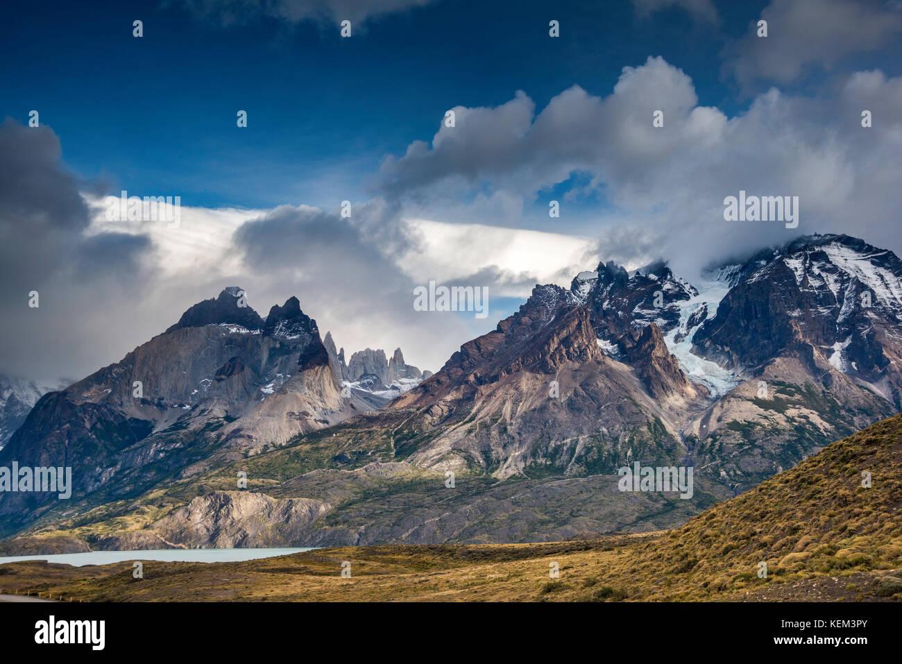 Cuernos del Paine, Monte Almirante Nieto, Torre Central in far distance, Lago Nordenskjold, Torres del Paine National - Stock Image